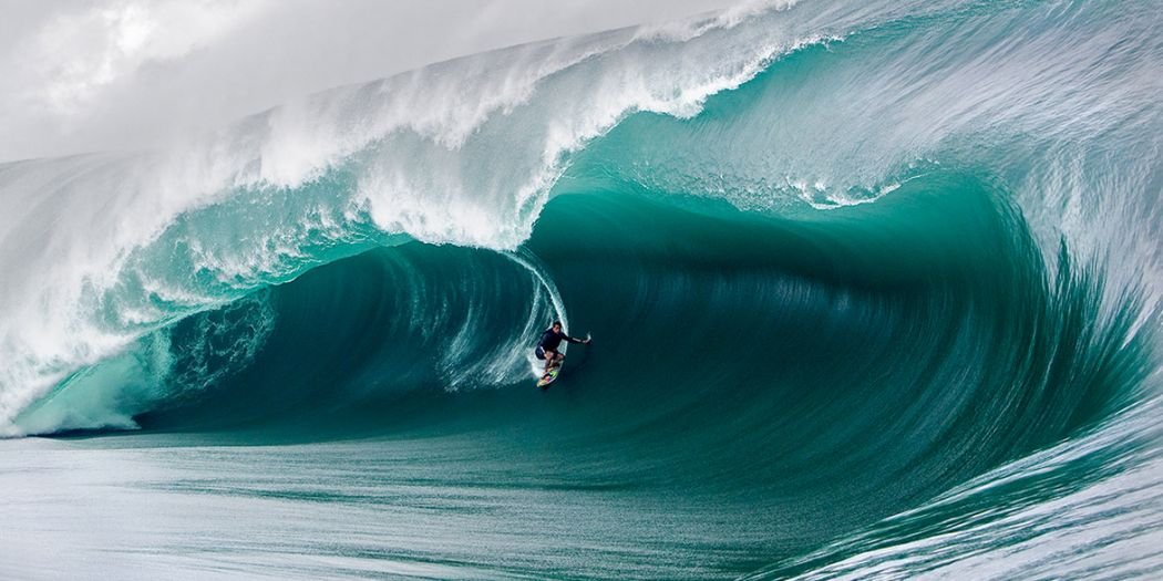 First All-Women's Big Wave Surf Contest to be Held in Hawaii
