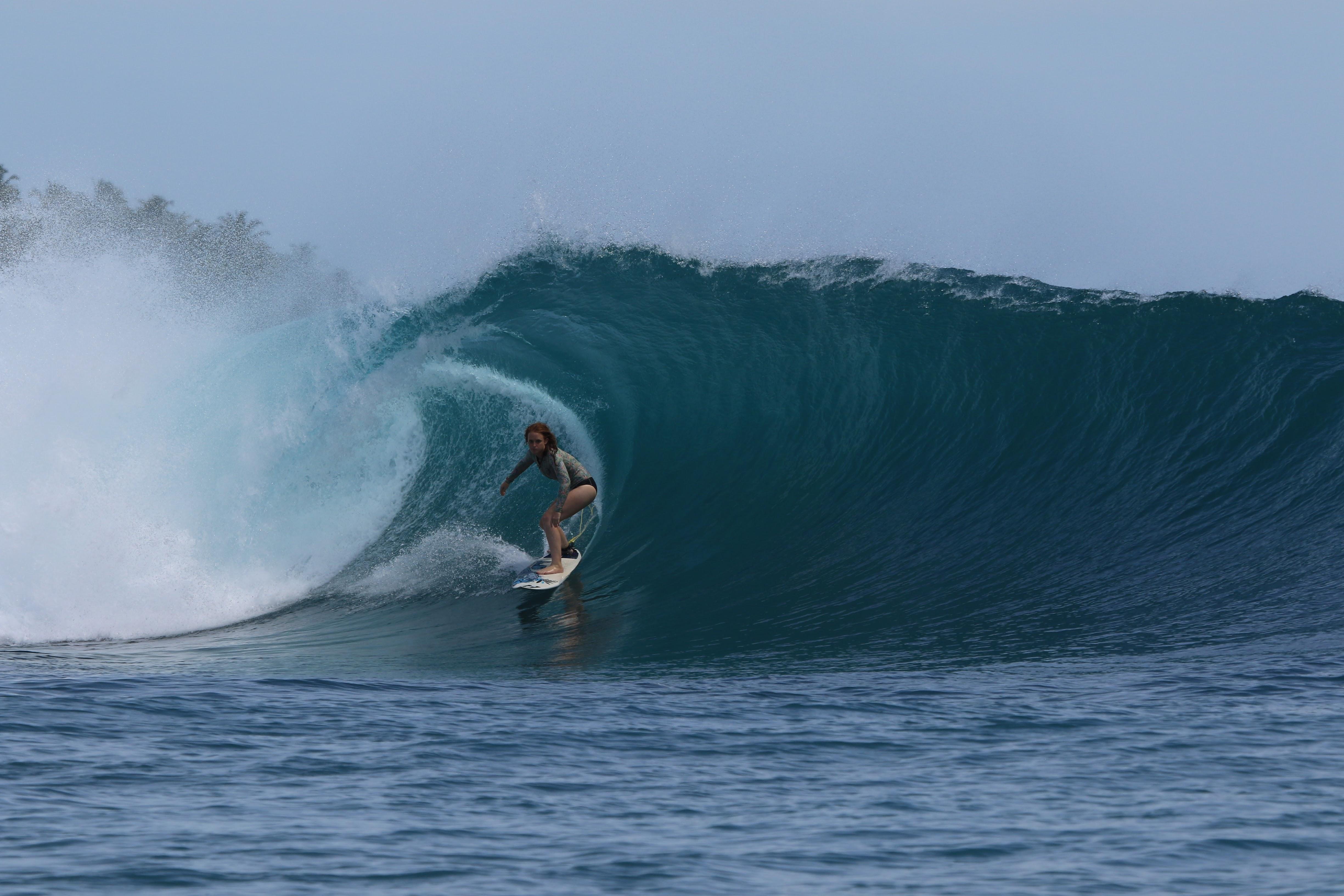Grace Doyle surfing
